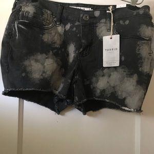 Torrid black and white shorts